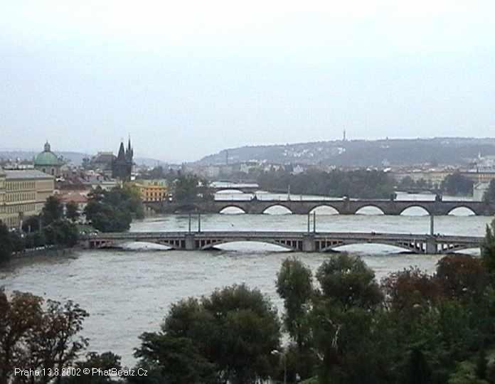 03_Praha_13082002