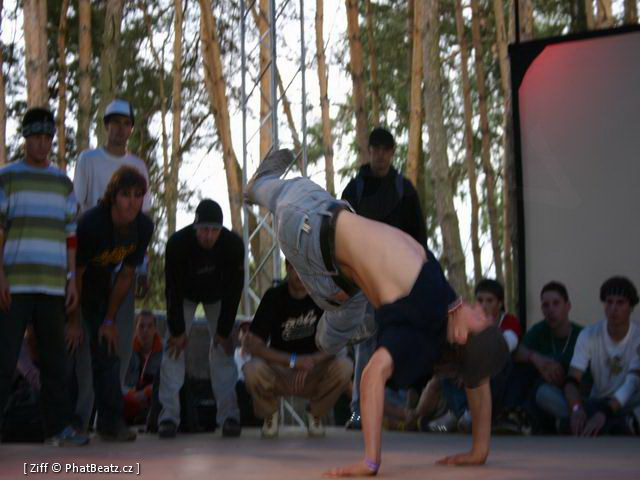040813_HHK04_Breakdance_02