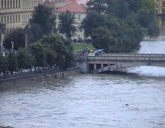 07_Praha_13082002