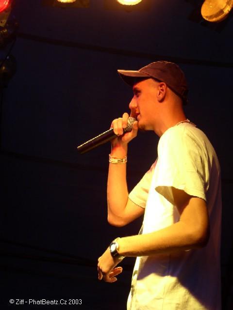 082hhkemp2003