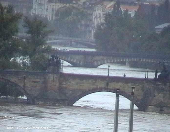09_Praha_13082002
