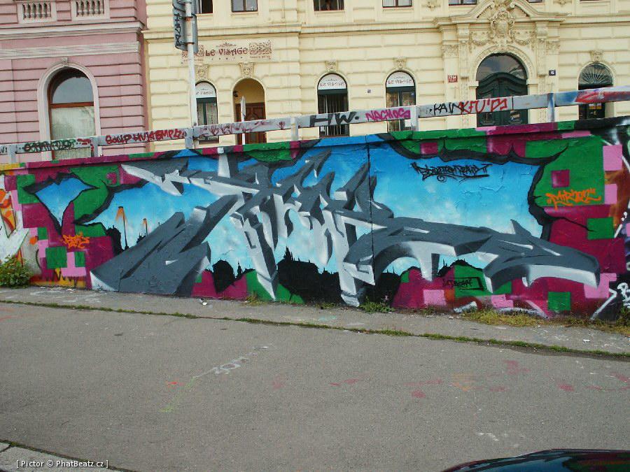 120502_Tesnov_01