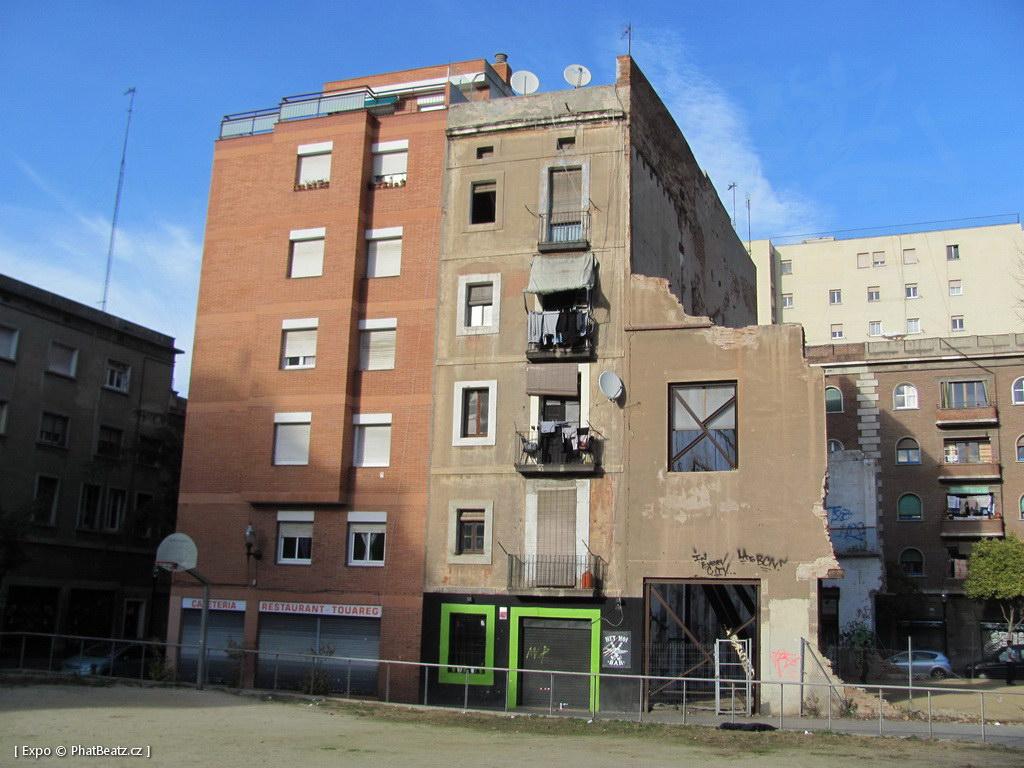 1312-1401_BarcelonaStreet_003