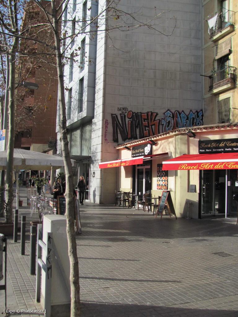 1312-1401_BarcelonaStreet_004