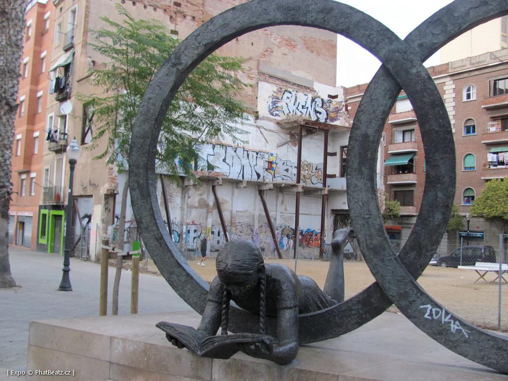 1312-1401_BarcelonaStreet_006