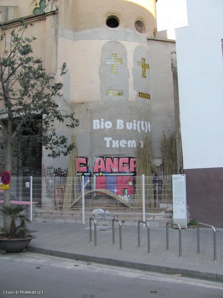 1312-1401_BarcelonaStreet_020
