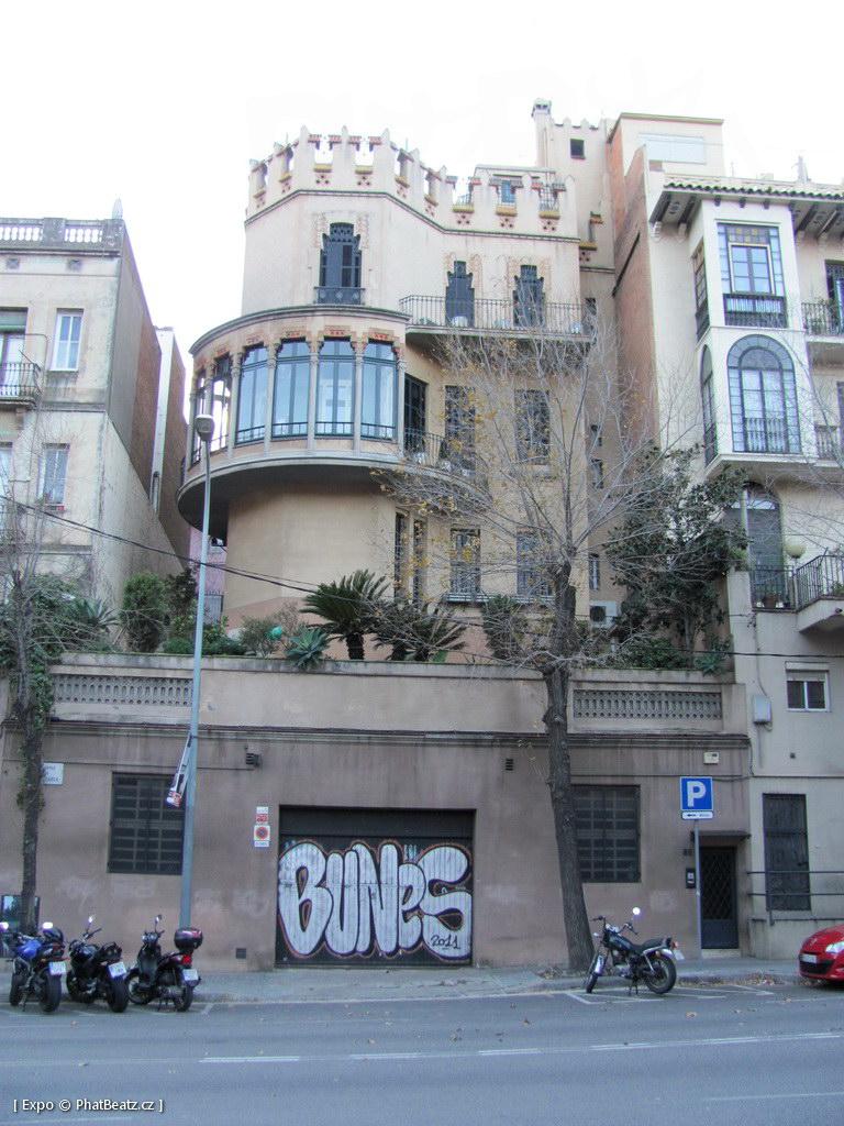 1312-1401_BarcelonaStreet_021