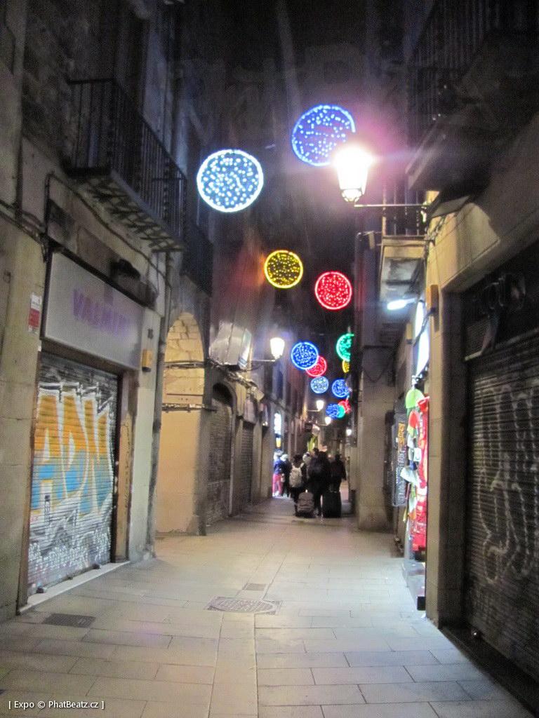 1312-1401_BarcelonaStreet_025