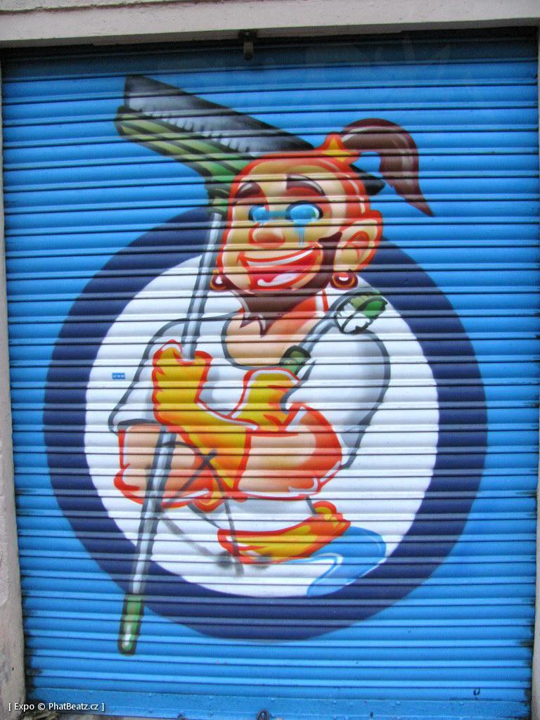 1312-1401_BarcelonaStreet_028