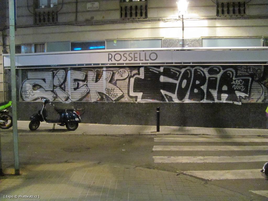 1312-1401_BarcelonaStreet_031