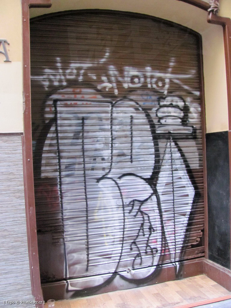 1312-1401_BarcelonaStreet_032
