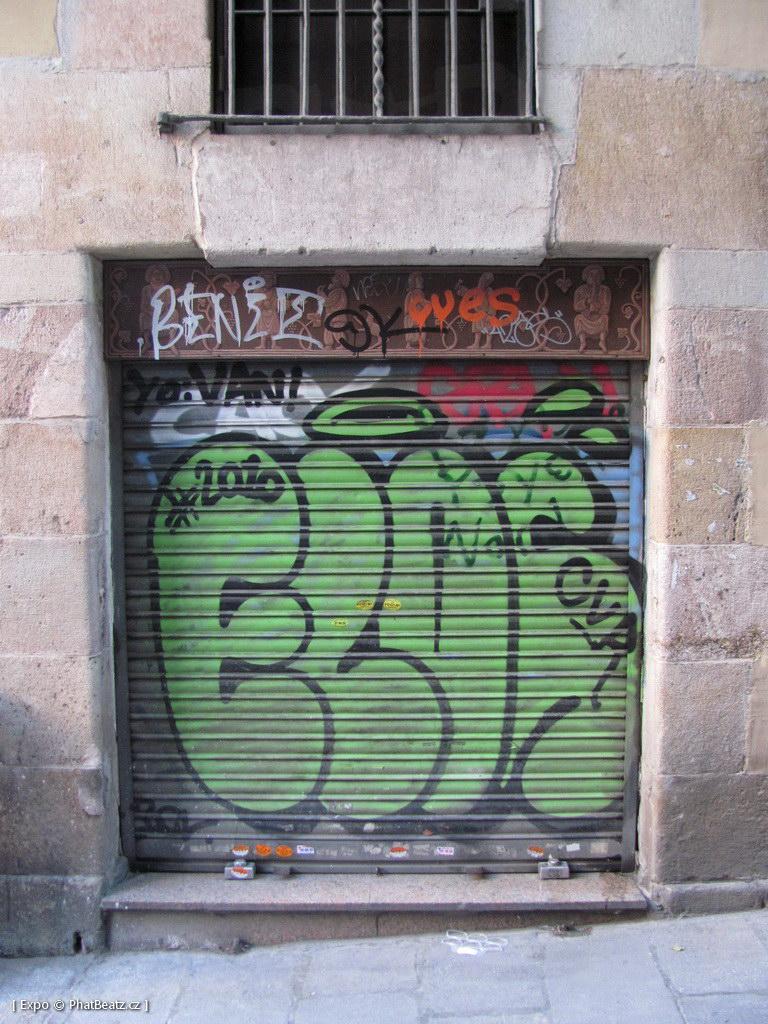 1312-1401_BarcelonaStreet_036