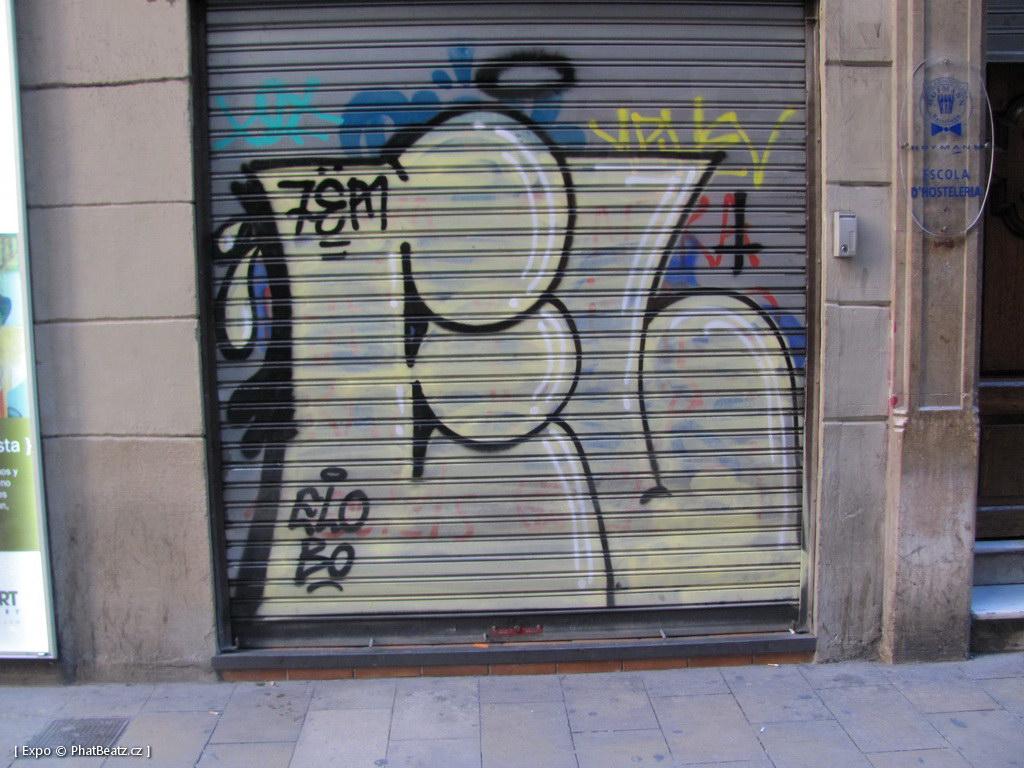 1312-1401_BarcelonaStreet_037