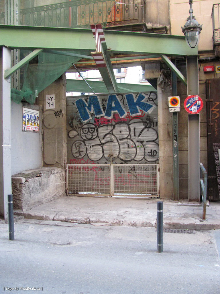 1312-1401_BarcelonaStreet_041