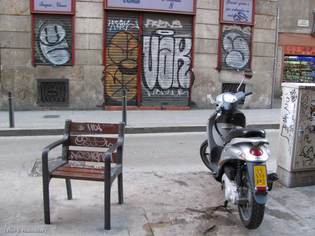 1312-1401_BarcelonaStreet_046
