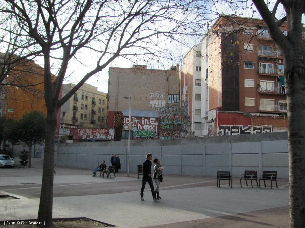 1312-1401_BarcelonaStreet_052