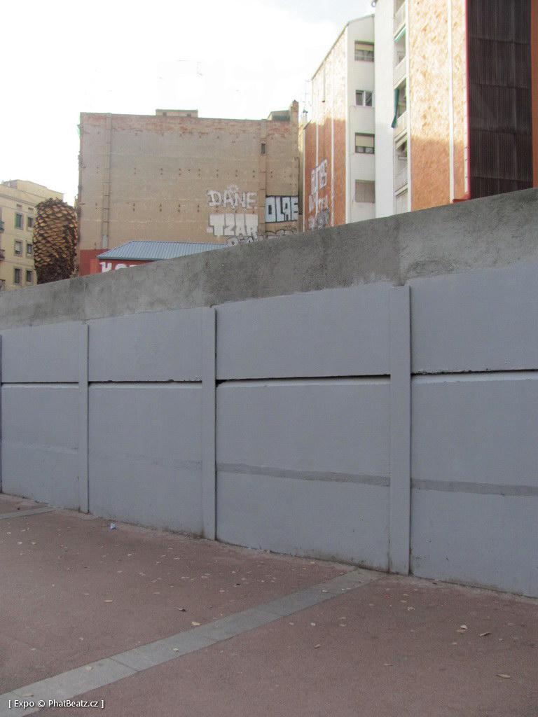 1312-1401_BarcelonaStreet_053