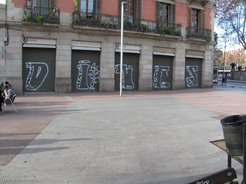 1312-1401_BarcelonaStreet_054