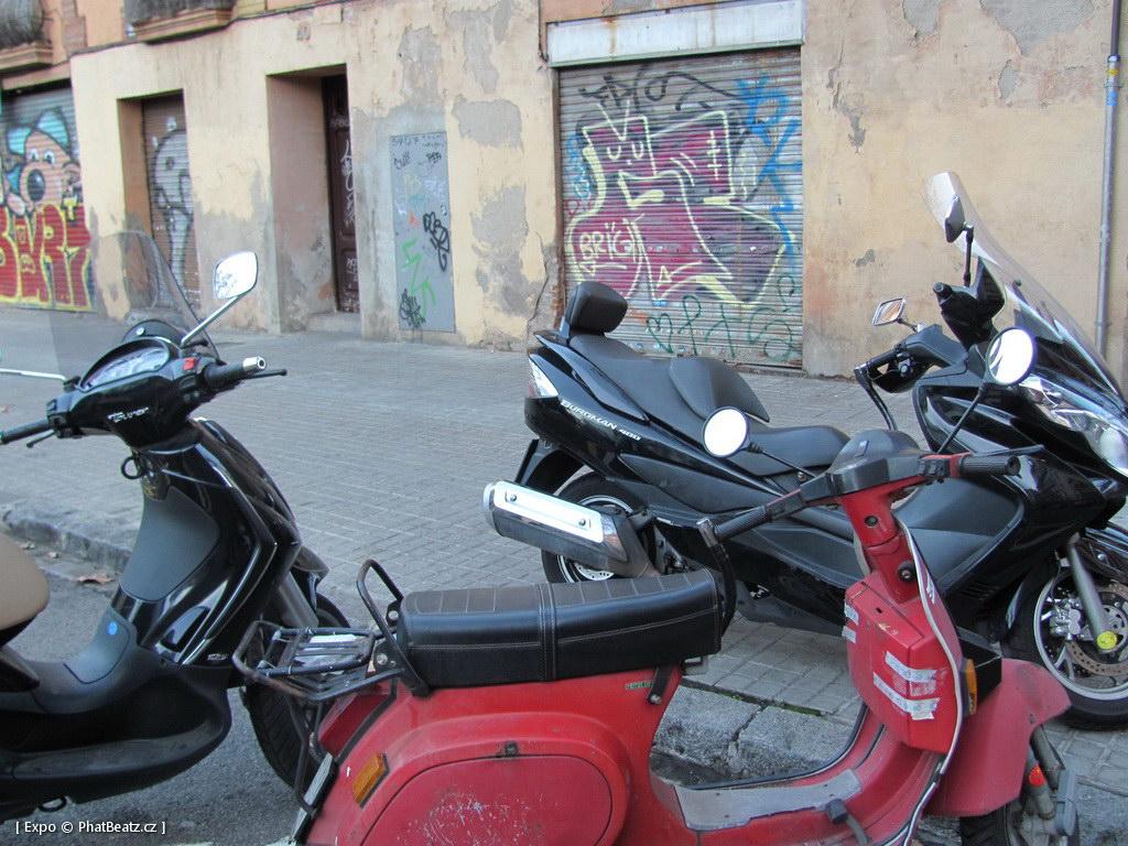 1312-1401_BarcelonaStreet_060