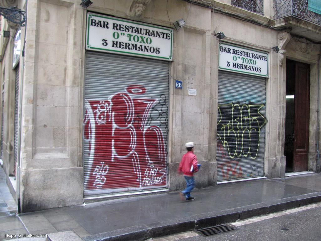 1312-1401_BarcelonaStreet_067