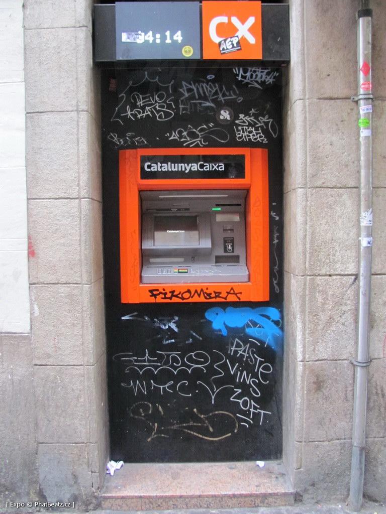 1312-1401_BarcelonaStreet_068