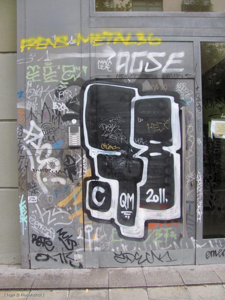 1312-1401_BarcelonaStreet_069