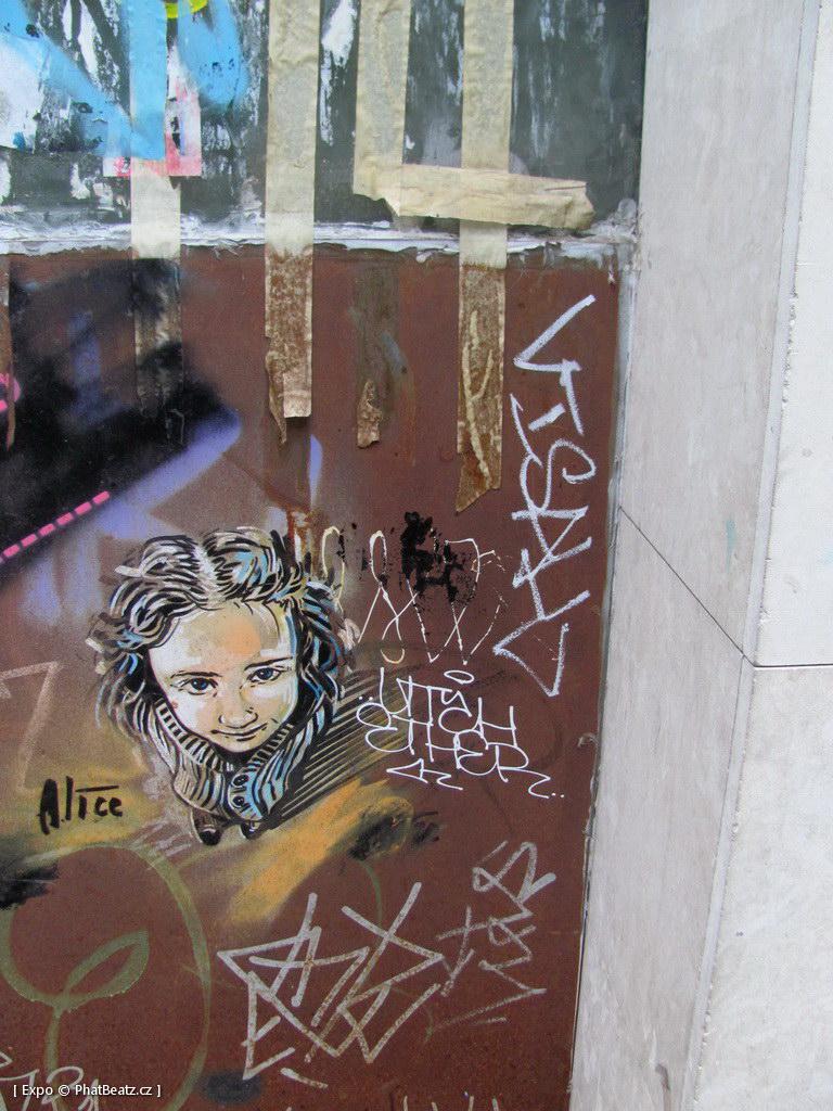 1312-1401_BarcelonaStreet_071