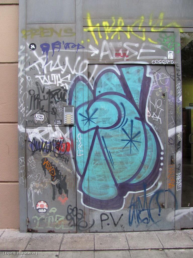1312-1401_BarcelonaStreet_072
