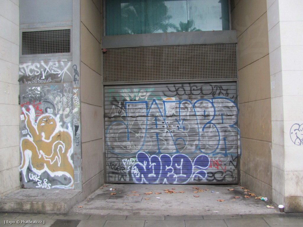 1312-1401_BarcelonaStreet_073