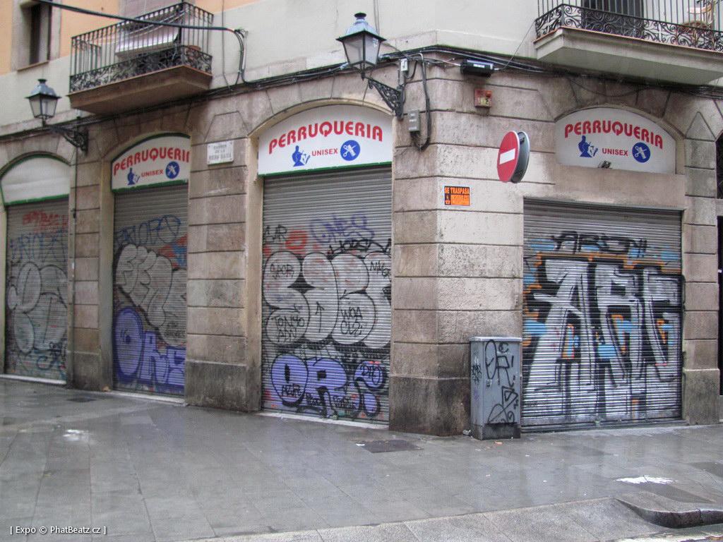 1312-1401_BarcelonaStreet_074