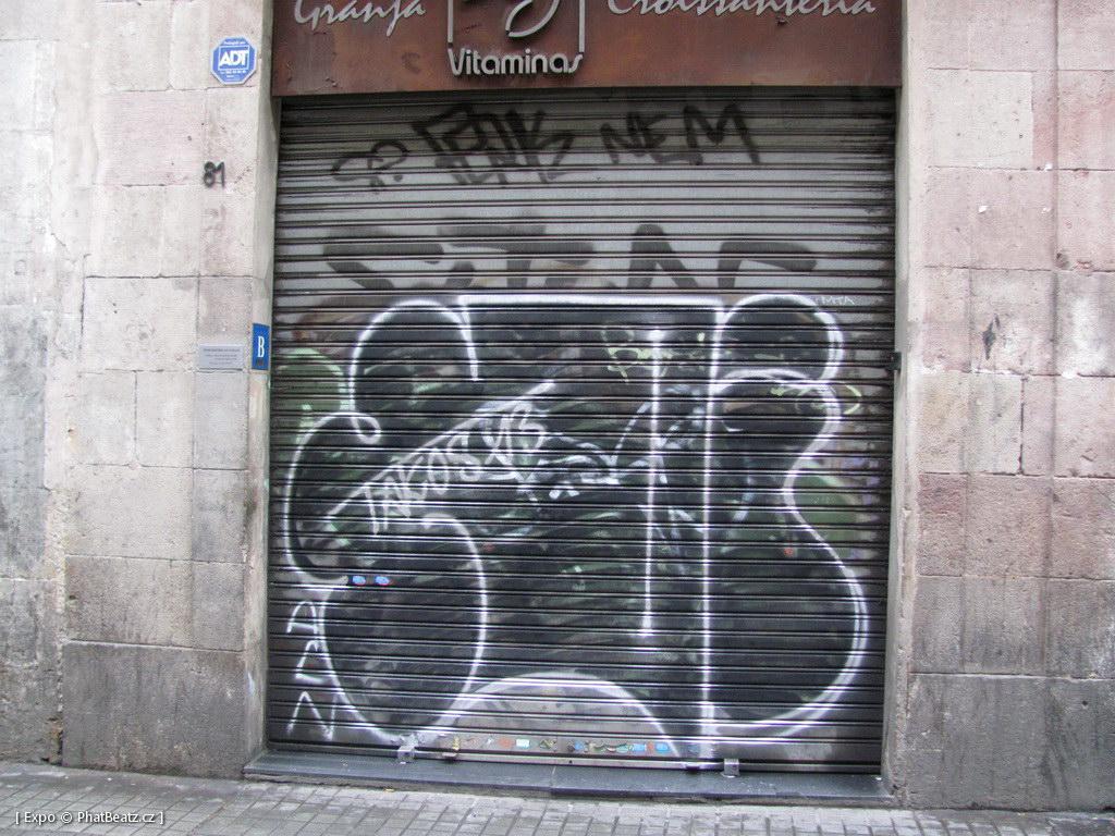 1312-1401_BarcelonaStreet_076