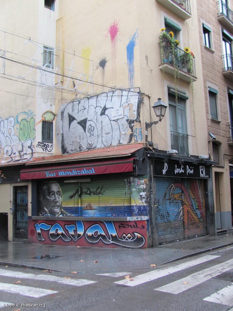 1312-1401_BarcelonaStreet_078