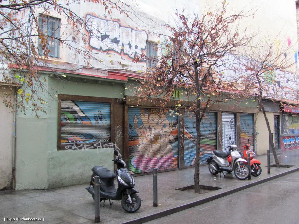 1312-1401_BarcelonaStreet_081