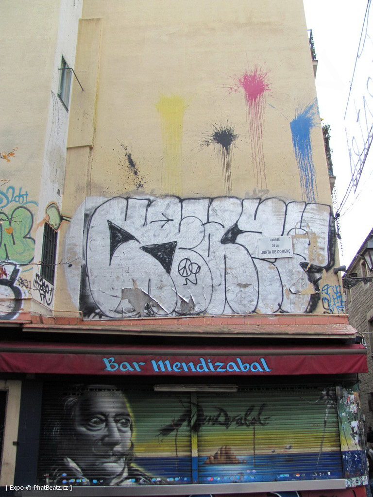 1312-1401_BarcelonaStreet_083