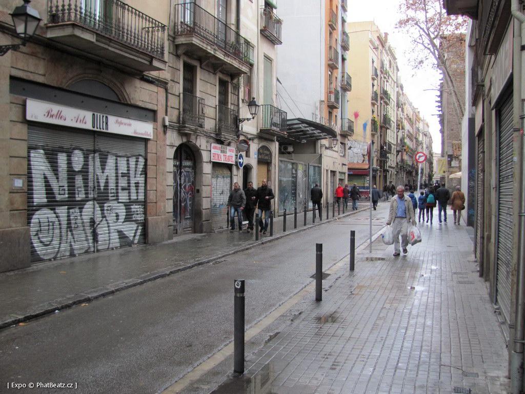 1312-1401_BarcelonaStreet_084