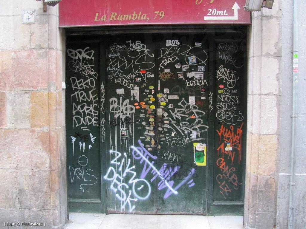 1312-1401_BarcelonaStreet_087