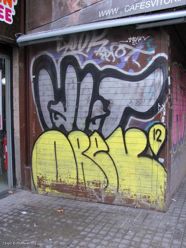 1312-1401_BarcelonaStreet_088
