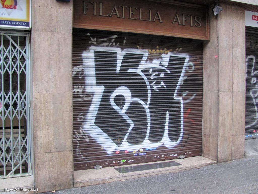 1312-1401_BarcelonaStreet_095