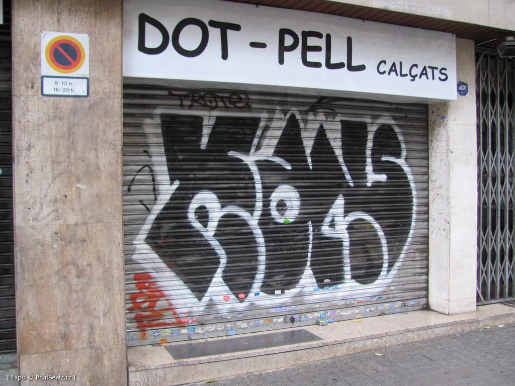 1312-1401_BarcelonaStreet_096