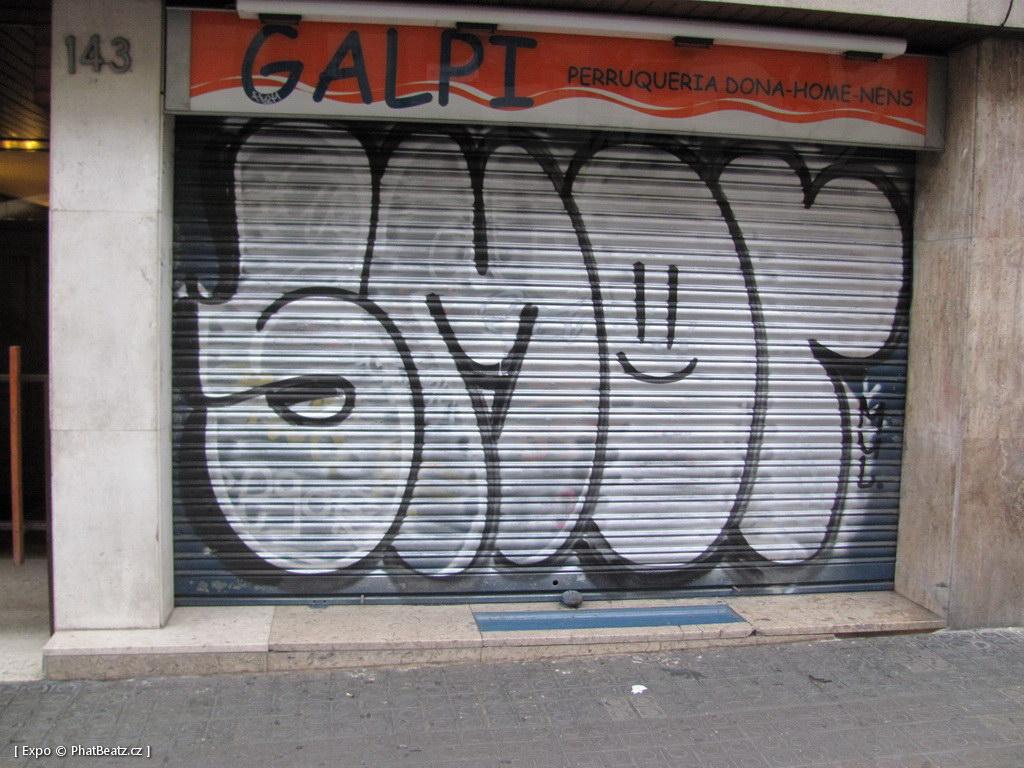 1312-1401_BarcelonaStreet_097