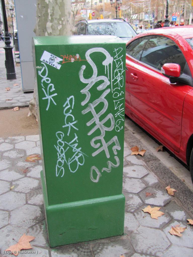 1312-1401_BarcelonaStreet_099