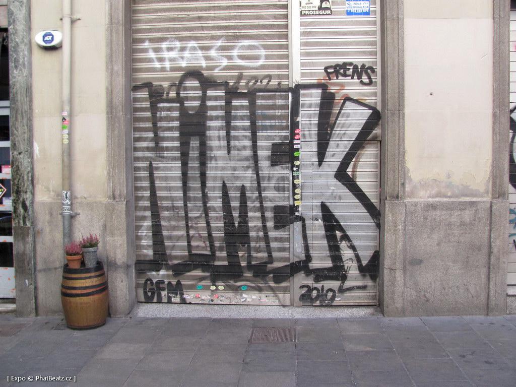 1312-1401_BarcelonaStreet_106