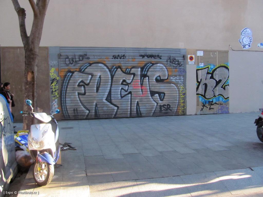 1312-1401_BarcelonaStreet_109