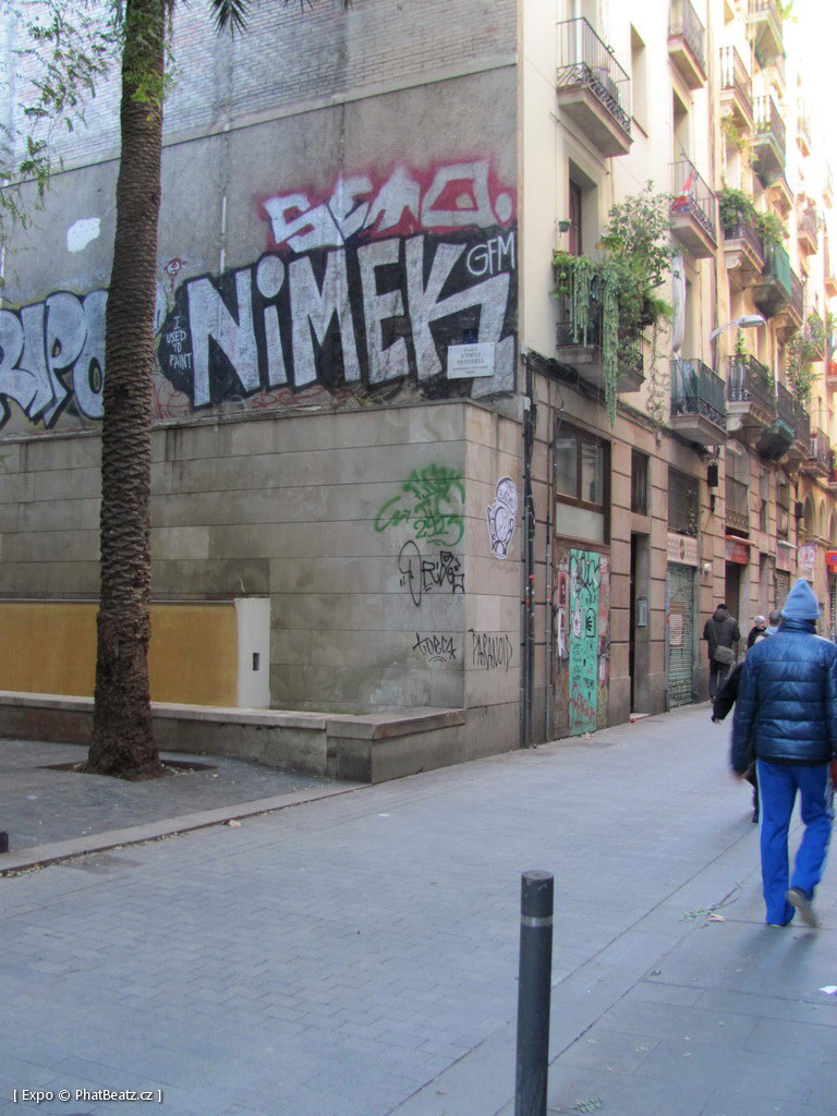 1312-1401_BarcelonaStreet_110