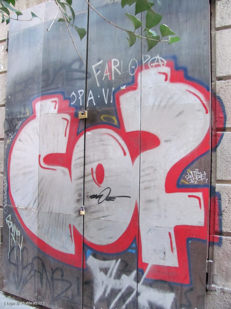 1312-1401_BarcelonaStreet_119