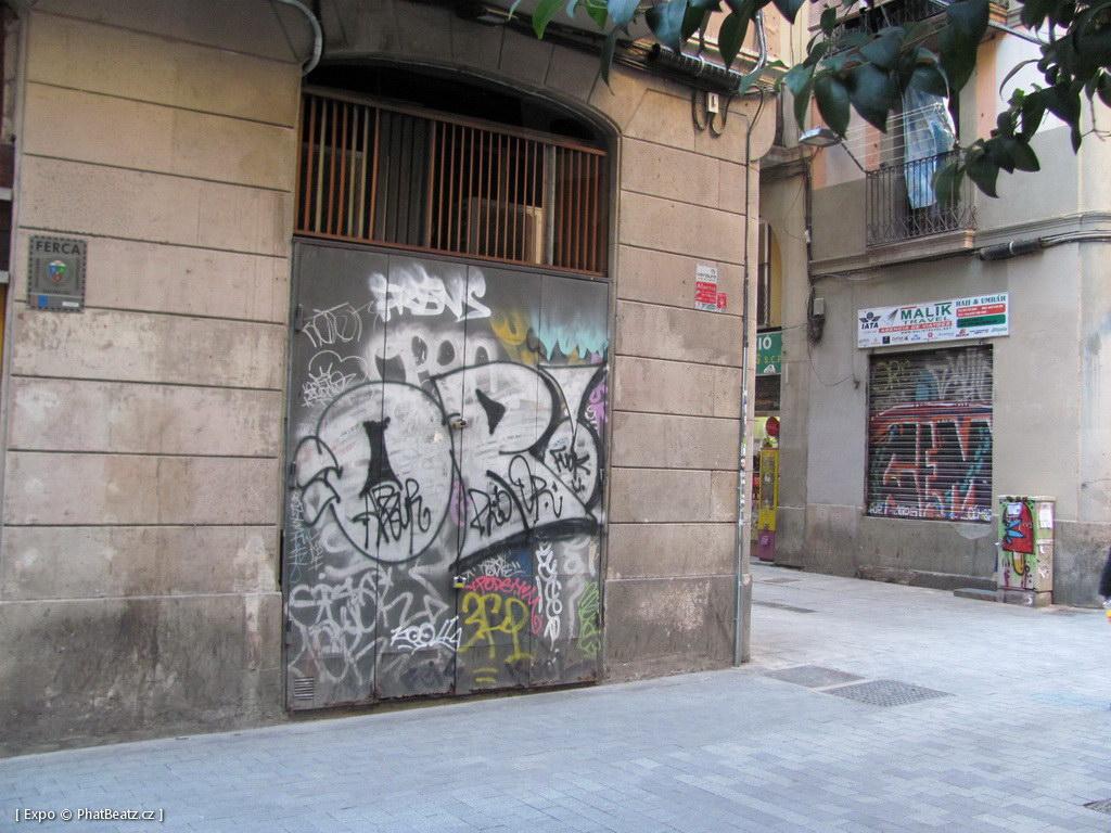 1312-1401_BarcelonaStreet_120