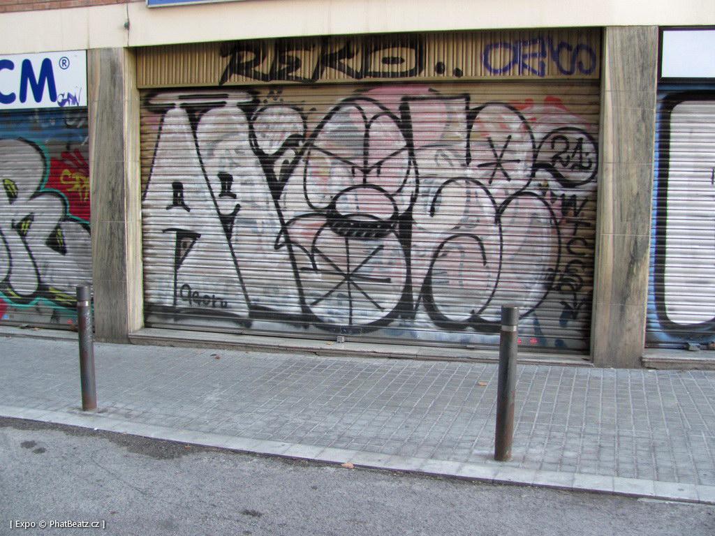 1312-1401_BarcelonaStreet_123