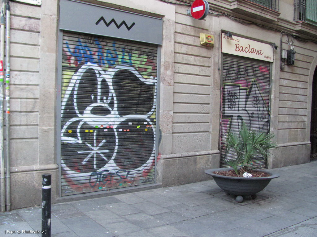 1312-1401_BarcelonaStreet_129