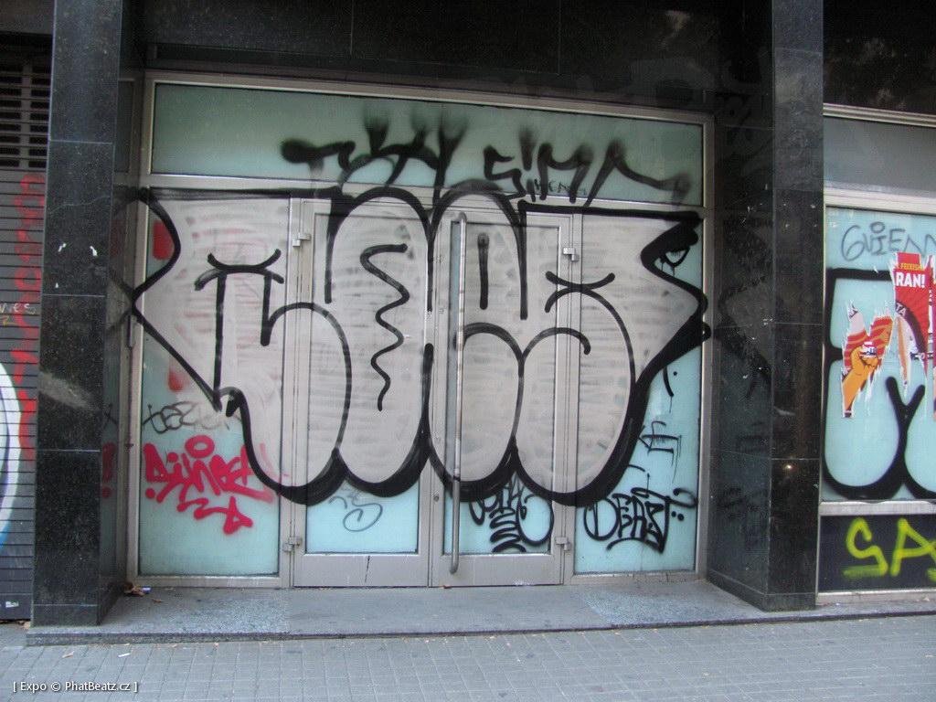 1312-1401_BarcelonaStreet_136