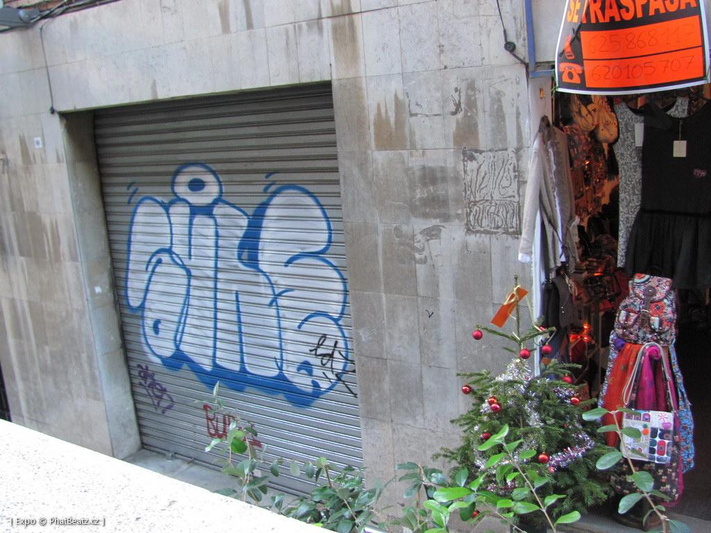 1312-1401_BarcelonaStreet_143